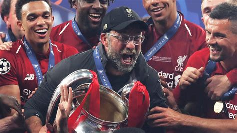 Jurgen Klopp: Liverpool's Premier League trophy carry ...