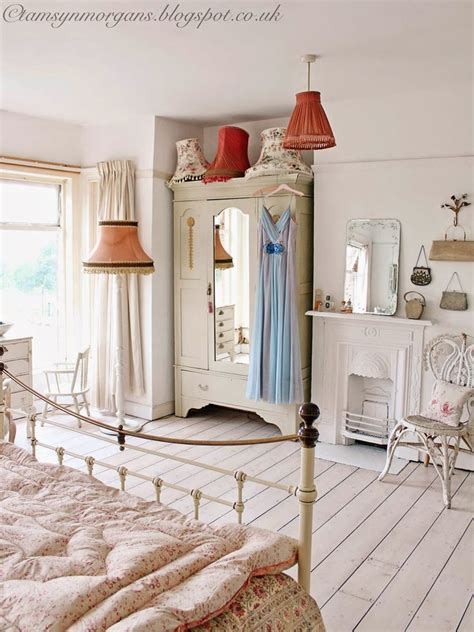 Bedroom Decorating Ideas Pictures by Vintage Bedroom Ideas The Cottage Theme