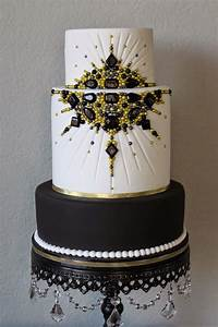 .: Black and Gold Jeweled Old Hollywood Cake | Red carpet ...