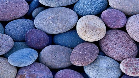 Colossal Global  Pebbles (multiple Size And Colours