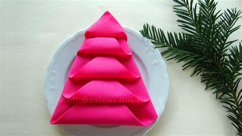 Tischdeko Servietten Falten by Servietten Falten Tannenbaum Weihnachtsdeko Selber