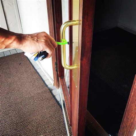 The Kooty Key - A Wacky Device That Helps Germaphobes Keep