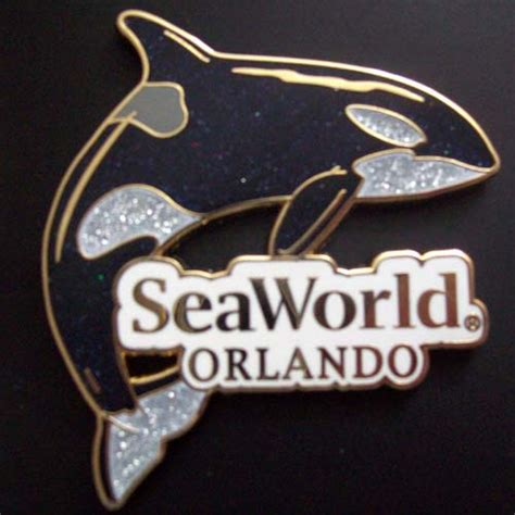 wdw store sea world pin shamu  killer whale park logo orca