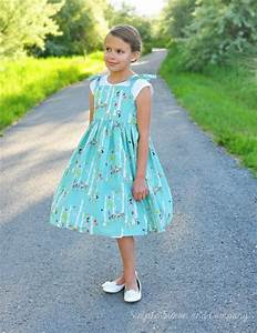 Vintage Dress by Simple Simon & Company for WeAllSew ...