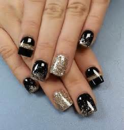 Black and gold glitter nail art winter ideas