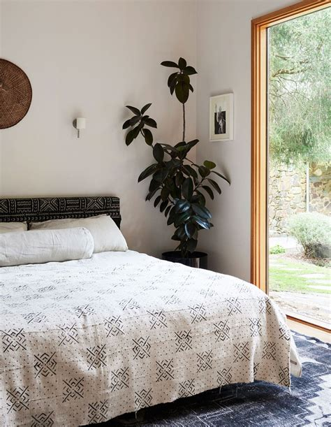 Wallpaper, paint and other design elements can highlight a bedroom wall. Pin by Laura Dum on Bedrooms | Home, Melbourne house, Mid century house