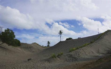 sandboarding  gumuk pasir parangkusumo jogja