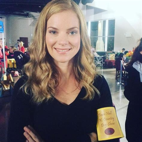 pictures  canadian actress cindy busby peanut chuck