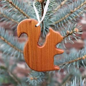 Eichhörnchen Aus Holz : christbaumschmuck aus holz eichh rnchen geschenkanh nger kaufen ~ Orissabook.com Haus und Dekorationen