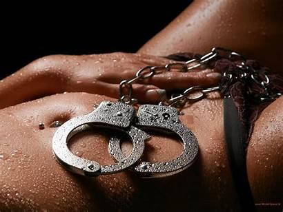 Closeup Handschellen Dessous Wassertropfen Lowkey Handcuffs Bodyparts