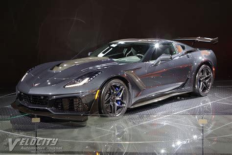 2019 Chevrolet Corvette Coupe Pictures