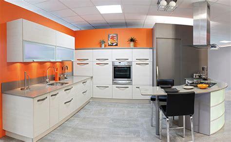 d馗o mur cuisine cuisine orange et grise 28 images cuisine orange id 233 es et astuces de d 233 co luxe cuisine et grise unique id 233 es de d 233 coration id