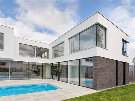 Modernes Haus by Be Planen Haus R