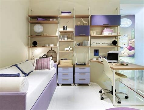Bedroom Decorating Ideas For A College Student by Best 25 Guys College Apartment Ideas On Guys