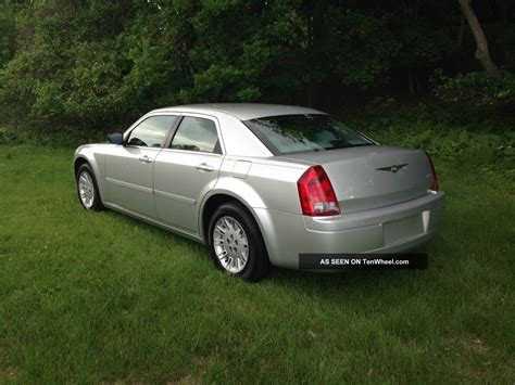 Chrysler 300 V6 by 2005 Chrysler 300 2 7l V6 In
