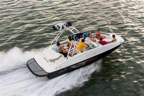 Round Deck Boat by Bayliner 215 Deck Boats New In Round Lake Il 60073 Us