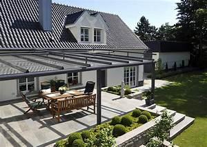 Muschelkalk terrasse mit glas berdachung terrassendach for Glasüberdachung terrasse