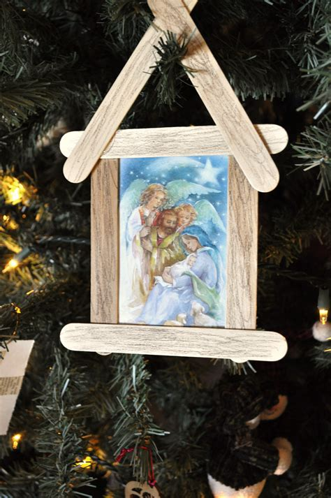 Here are some examples of christmas calendar and cards. Three Simple Ways to Recycle Christmas Cards - Kids Activities | Saving Money | Home Management ...