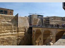 renzo piano clads valletta city gate with vast stone façade