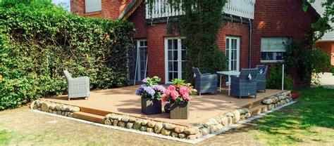 Gartengestaltung Mit Holzterrasse by Mastell Kreative Gartengestaltung Uelzen