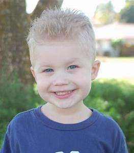 Coupe Enfant Garçon : les coiffures pour enfants tendance en 57 photos ~ Melissatoandfro.com Idées de Décoration
