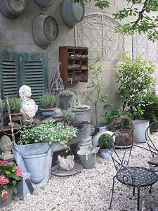 Shabby Style Onlineshop : giardino shabby chic 30 idee di arredamento originali ~ Frokenaadalensverden.com Haus und Dekorationen