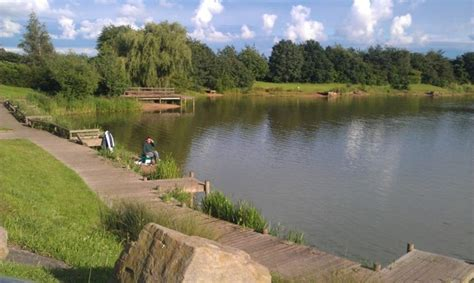 coopers arms lake derbys  fishing