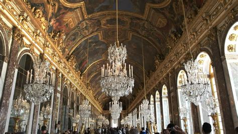 Opulent Pronunciation - of mirrors definition meaning