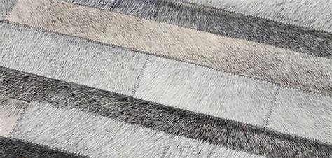 tapis cuir sur tapis chic com tapis chic le blog