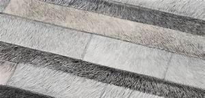 tapis cuir sur tapis chiccom tapis chic le blog With tapis peau de vache avec canapé mobil home