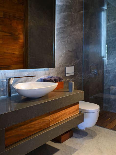 Badezimmer Unterschrank Dunkles Holz by Dunkles Holz Und Grau Im Haus Kombinieren Beispiel Aus Mexiko
