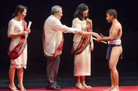 aeta grad receives diploma  bahag  filipino times