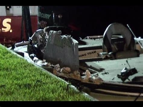 Boat Crash Lake Okeechobee by 071117 Lake Conroe Fatal Boat Crash Youtube