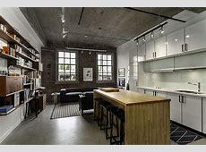 Кухня в стиле лофт дизайн интерьера с кирпичом, в белом