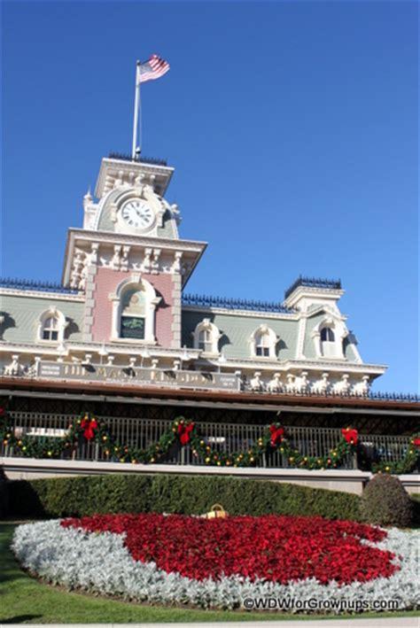 holiday decorations  epcot  magic kingdom