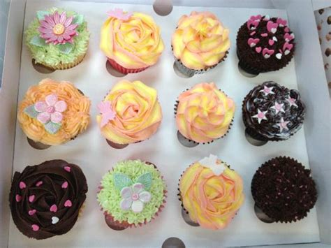 cupcake decorating ideas for beginners cupcakes created at cupcake passion s beginners course picture of cupcake passion swindon