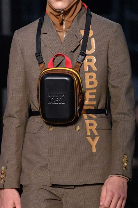burberry fallwinter  runway bag collection spotted fashion