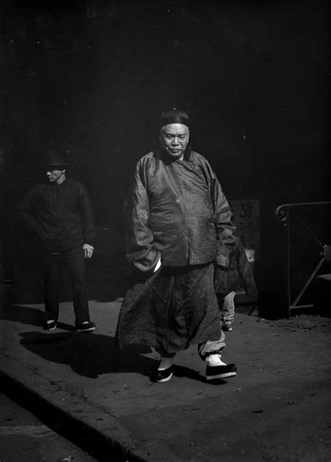 remarkable photographs  san franciscos chinatown