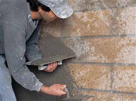 enduit mur parpaing interieur appliquer un enduit 224 base de chanvre et de chaux 233 1 maison travaux