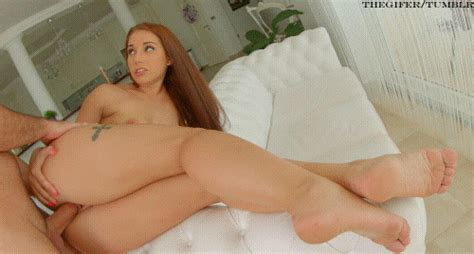 Jenny Glams Thick Ass And Beautiful Legs Get