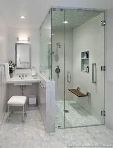 Salle de bain avec douche l italienne with classique chic for Salle de bain design avec décoration cinéma maison