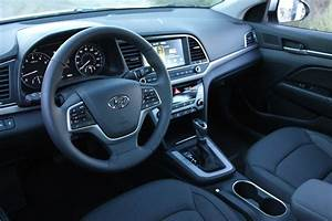 2017 Hyundai Elantra Interior - carsautodrive
