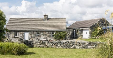 Cottage To Rent Maumeen Cottage Rental Property In Roundstone Connemara