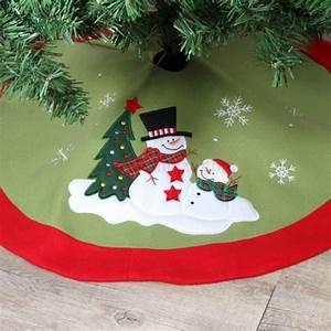Tapis De Sapin De Noel : tapis de sapin rond teddy bonhomme de neige accessoire pour sapin eminza ~ Teatrodelosmanantiales.com Idées de Décoration