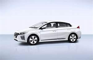 Hybride Auto Rechargeable : hyundai commercialise l 39 ioniq hybride rechargeable ~ Medecine-chirurgie-esthetiques.com Avis de Voitures