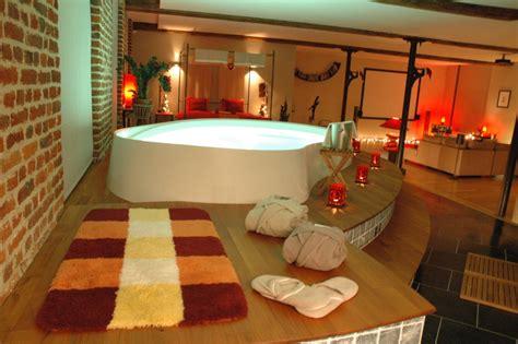 les plus belles chambres d hotel le loft baiser du cupidon chambre avec piscine