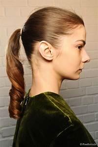 Easy cute 1950s ponytail tutorial