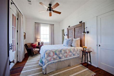 chic bedroom 30 ingenious wooden headboard ideas for a trendy bedroom Farmhouse