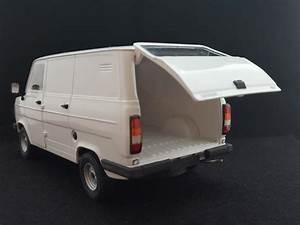 Italeri  Esci  Ford Transit Mk2 Van