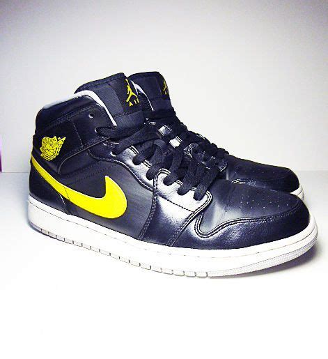 Nike Air Jordan 1 Black And Yellow 2014 Re Issue From Nike